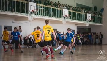 Noskaidroti Rīgas skolu telpu futbola kausa finālisti