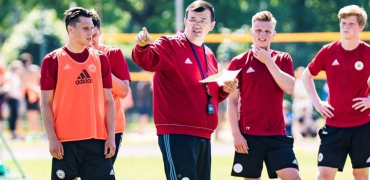 """Kazakevičs: """"Mēģināsim spēlēt gudru futbolu"""""""