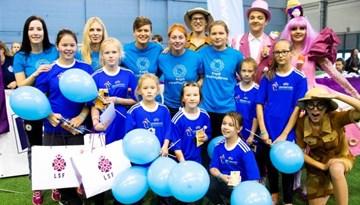 #WePlayStrong festivāls Rīgā pulcē 160 meitenes