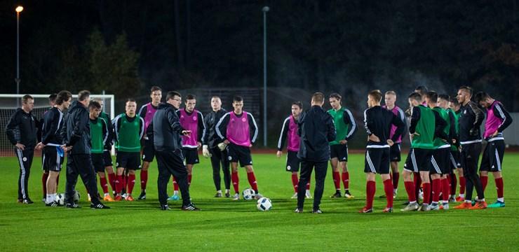 FOTO: Latvijas U-21 izlase gatavojas spēlei pret Nīderlandi