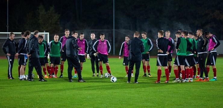 Dainis Kazakevičs: Ar darbu klubos un pieredzi U-21 izlasē gatavojam futbolistus valstsvienībai