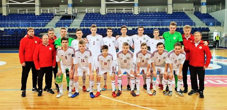 Latvijas U-19 telpu futbola izlase atkārtoti pārspēj Lietuvas vienaudžus