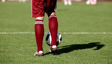 Neatkarības kausā Latvija B pēcspēles sitienos uzveic Latvija A komandu