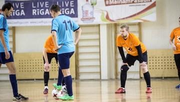 Sadalīta pēdējā ceļazīme uz Rīgas telpu futbola čempionāta otro etapu