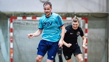 Pirmoreiz notiks Latvijas kausa izcīņa telpu futbolā loģistikas uzņēmumu komandām