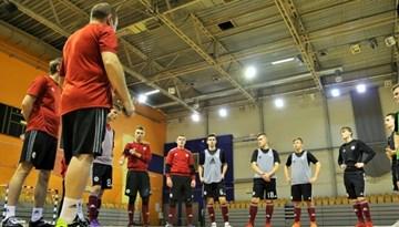 U-19 telpu futbola izlasei trīs dienu nometne un pārbaudes spēle