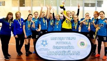 Rīdzinieces atkal labākās meiteņu telpu futbola čempionāta 1. divīzijā