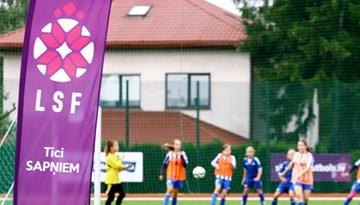 Konkurss dalībai meiteņu futbola vasaras nometnē ASV