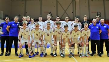 Latvijas U-19 telpu futbola izlase zaudē Spānijai