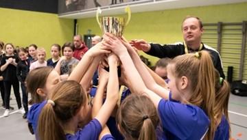 Olainietes nosargā titulu meiteņu telpu futbola čempionāta U-12 grupā