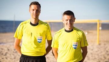 Pludmales futbola tiesnešiem vairāki starptautiski nozīmējumi