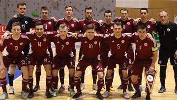 Telpu futbola izlase pirmajā pārbaudes spēlē piekāpjas Azerbaidžānai