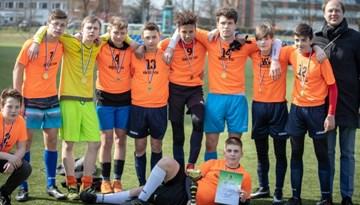 Rīgas Rīnūžu vidusskola uzvar 8.-9. klašu turnīrā