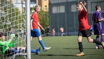 Noslēgušās Rīgas skolu sacensības visās klašu grupās