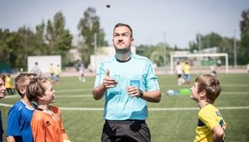 Rīgā startējis Ādas Bumbas čempionāts
