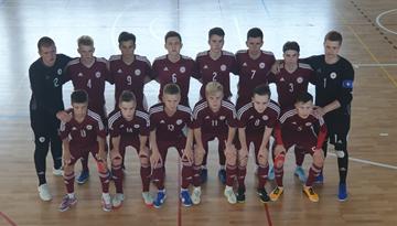 U-19 telpu futbola izlase pārbaudes spēļu turnīru sāk ar zaudējumu