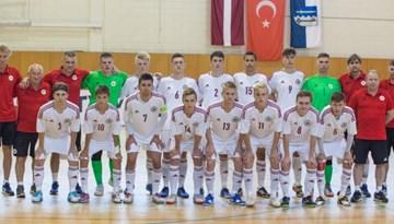 Ludzā U-19 telpu futbolisti piekāpjas Turcijai
