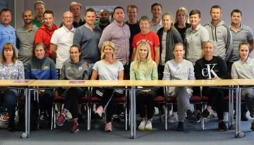 Foto: Sieviešu komandu treneriem seminārs pie Karolīnas Moračes