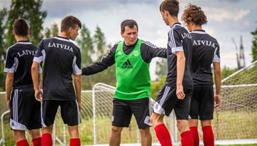 Latvijas U-17 izlase nenosargā neizšķirtu pret Ukrainas vienaudžiem