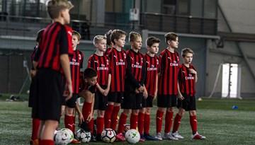 """Uzsākta pieteikšanās futbola nometnei """"Milan Junior Camp"""""""