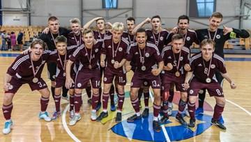 Pārbaudes turnīru Rīgā Latvijas U-19 telpu futbola izlase pabeidz ar uzvaru pār Baltkrieviju