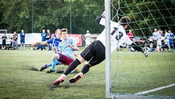 """Par minifutbola čempionāta uzvarētāju kļūst FC """"Petrow"""""""