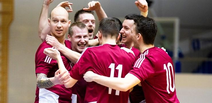 Telpu futbola izlase sāk gatavoties mačiem Baltkrievijā