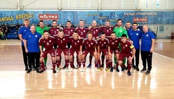 Telpu futbolisti piekāpjas arī mājiniekiem baltkrieviem