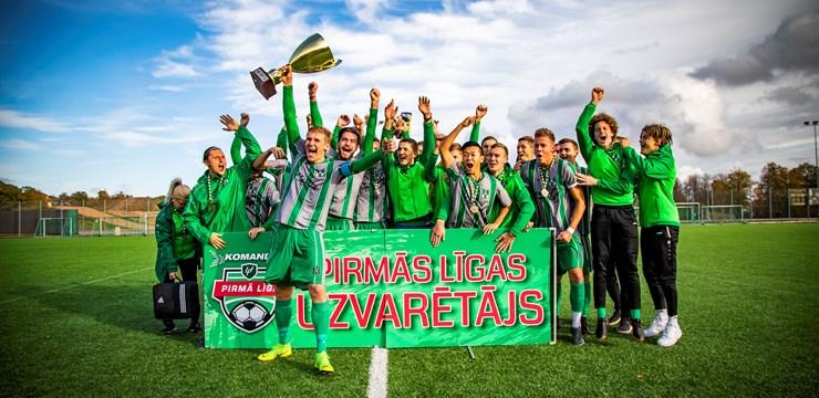 Komanda.lv 1. līgas čempioni saņem kausu