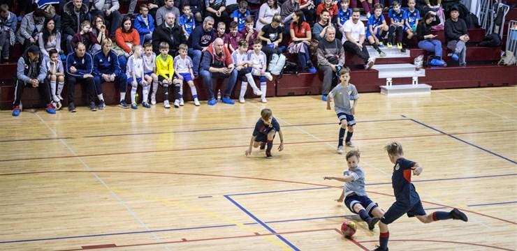 Sākusies pieteikšanās Rīgas kausa izcīņai futbolā telpās