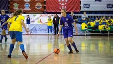 Notiks atklātais Rīgas Ziemassvētku kauss telpu futbolā meitenēm
