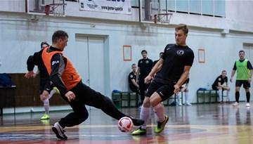 """Rīgas telpu futbola čempionātā viešas skaidrība par """"play-off"""""""