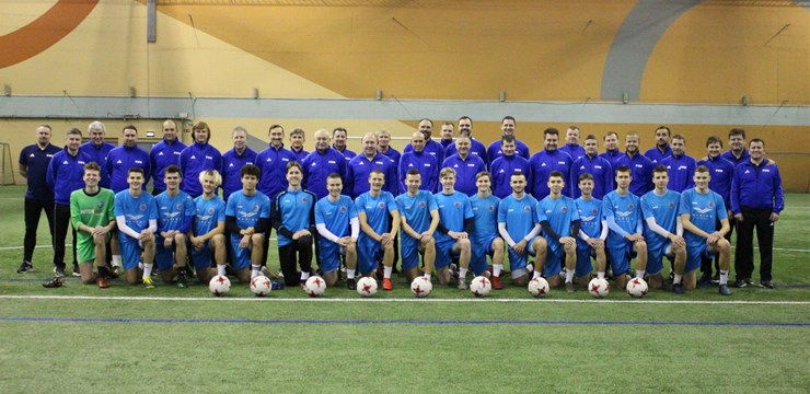 FIFA seminārā piedalās pašmāju vadošie elites futbola speciālisti