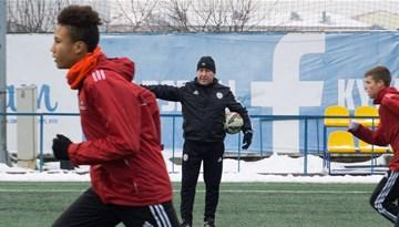 Latvijas U-17 izlasei pirmās treniņnometnes Pučinska vadībā