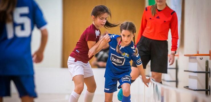 Meiteņu Telpu futbola čempionāts finišēs novembrī