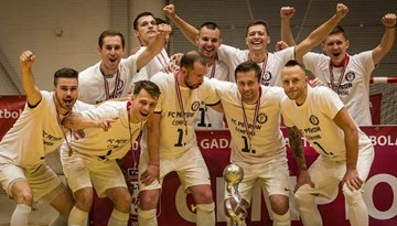 """PC """"Petrow"""" izcīna savu pirmo telpu futbola čempionu titulu"""
