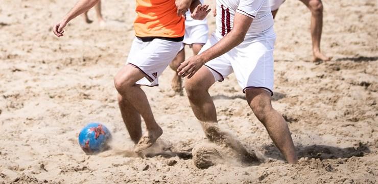 Startē pludmales futbola sacensības Latvijā