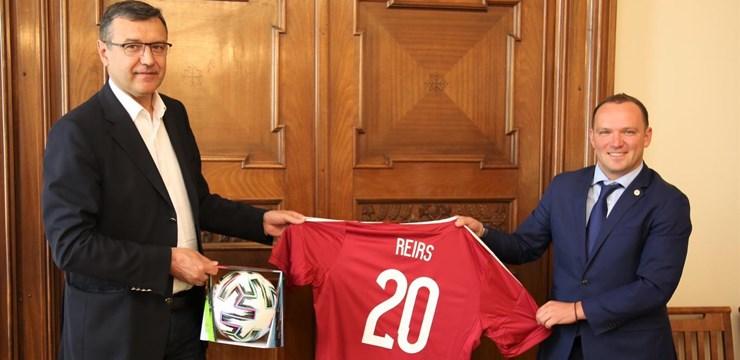 LFF un FM pārrunā futbola lomu Latvijā un infrastruktūras nozīmi sporta nozarē