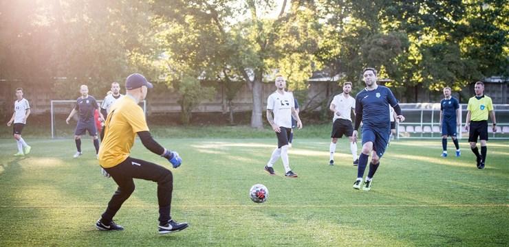Rīgas minifutbola čempionātā perfektu bilanci saglabā četras komandas