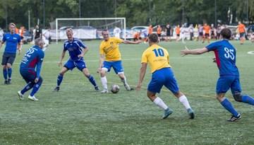 """Rīgas minifutbola čempionātā pārtrūkst """"Petrow"""" uzvaru sērija"""