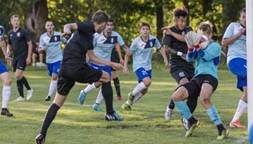 """Rīgas Futbola čempionātā """"Caramba Riga"""" turpina uzvaru sēriju"""