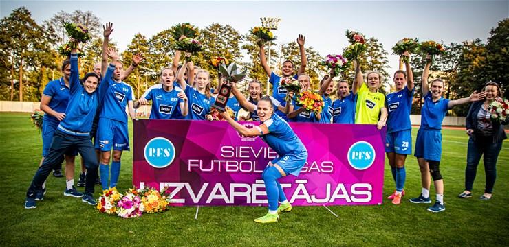 Rīgas Futbola skola triumfē Sieviešu futbola līgā