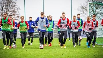 Foto: Latvijas U-21 izlase gatavojas spēlei pret Poliju