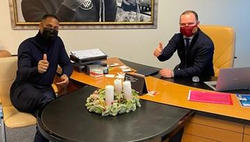 Vadims Ļašenko tiekas ar Nīderlandes futbola leģendu Patriku Kluivertu