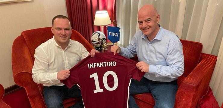 LFF un FIFA prezidenti pārrunā futbola infrastruktūras attīstības iespējas
