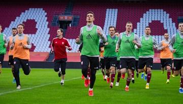 Foto: Latvijas izlase aizvada pirmsspēles treniņu Nīderlandē