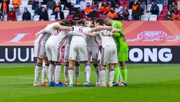 Nīderlande par spīti Latvijas pašatdevei apliecina pārākumu