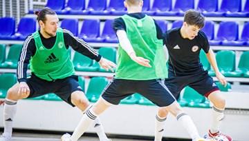 Foto: Latvijas telpu futbola izlase gatavojas spēlēm ar Šveici un Slovēniju