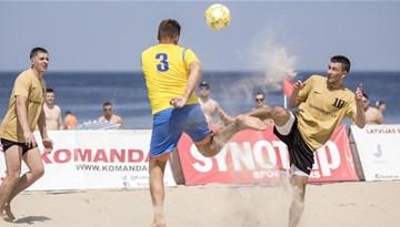 Pludmales futbols Jūrmalas smiltīs atgriežas šo sestdien