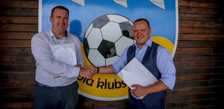 LFF sadarbībā ar Smiltenes novada pašvaldību īsteno futbola laukuma atjaunošanu